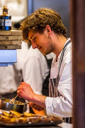 Kingsbridge, UK: Head Chef Lewis in action!