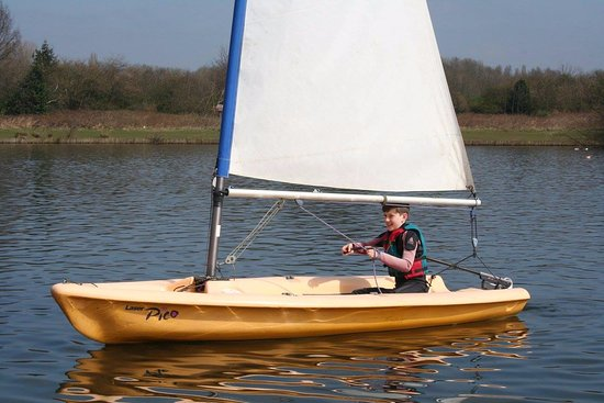 Congleton, UK: Sailing at Astbury