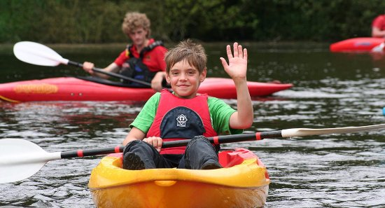 Congleton, UK: Kayaking at Astbury Mere