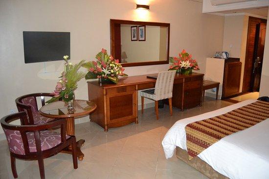 Golden Tulip Dar Es Salaam: Superior Room