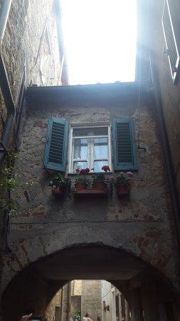 Roccastrada - resturant hidden down one of the beautiful alleyways