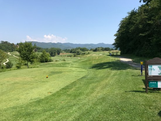 Villa Campestri Olive Oil Resort: Golfanlage Poggio dei Medici, buca 18