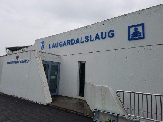 Laugardalslaug : Entrance