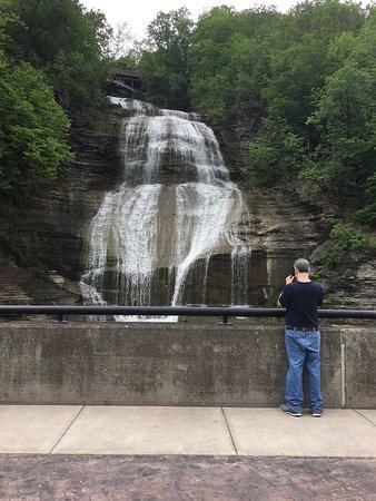 Montour Falls, NY: She-Qua-Ga Falls