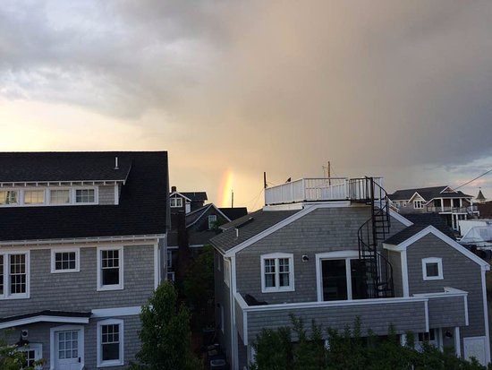 The Dockside Inn: View of Rainbow from the outside of our room (in the rear of the Inn).