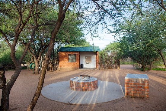 Okahandja, Namibia: Campsite with individual ablution facility per camp site