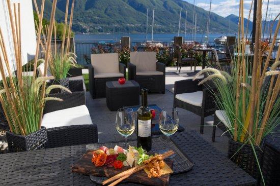 L'Approdo: aperitivo in riva al lago