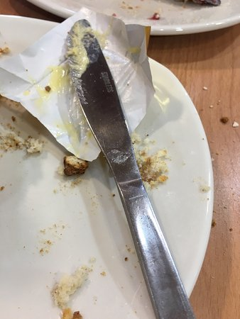 Dobbies Garden Centre, Stirling: The knife that I buttered my scone with