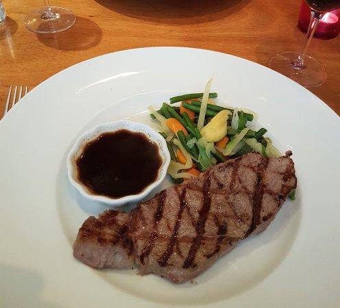 Prego Restaurant: Entrecote of calf and carpaccio of roast beef