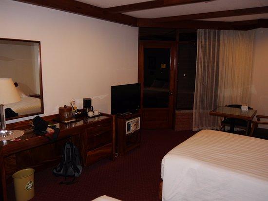 Hotel Bougainvillea: bedroom