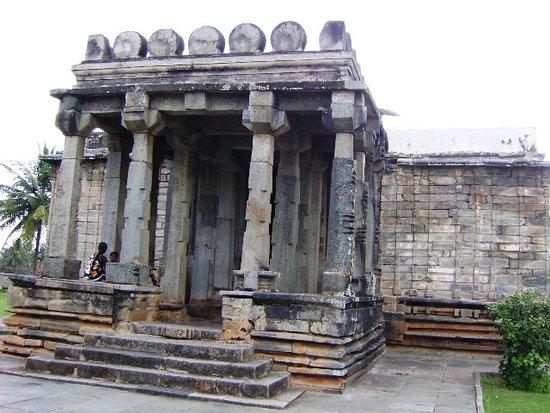 Sri Parsawanath Tirthankara Jain Temple