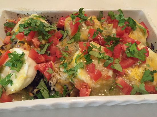 Mauger Estate B&B: New Mexican poached eggs
