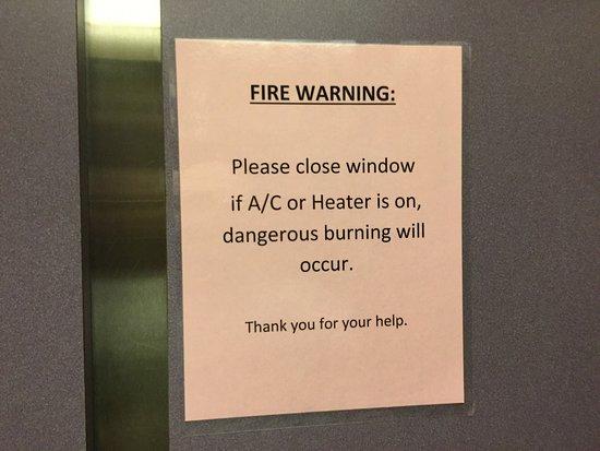 Ocean Shores, WA: Warning signs abound.
