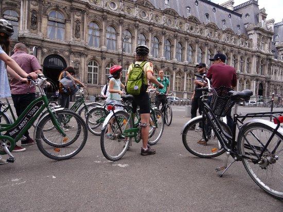 paris by bike picture of bike about tours paris tripadvisor. Black Bedroom Furniture Sets. Home Design Ideas