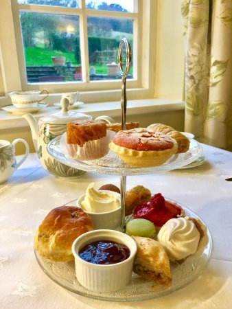 Skenfrith, UK: Afternoon tea