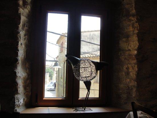 Sant Feliu de Boada, Spagna: Una ventana del restaurante