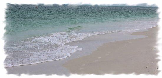 Bean Point: Beautiful, white, sandy beach!