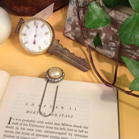 West Stockbridge, MA: Her handmade bookmarks made from vintage earrings!