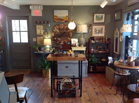 West Stockbridge, MA: Such a cool eclectic vibe in the store