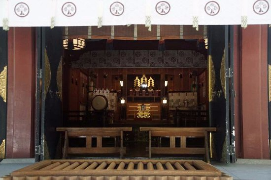 Hisaizu Shrine : 本堂内部