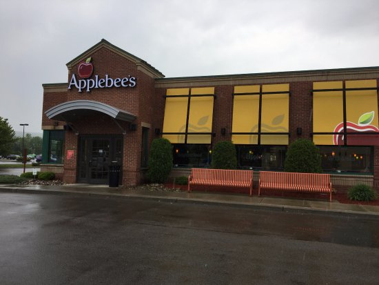 Painted Post, NY: Applebee's - front of restaurant