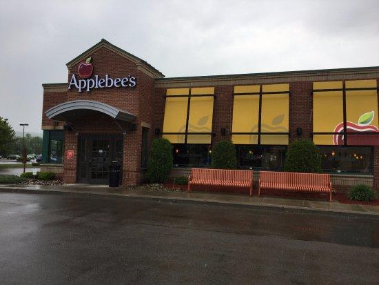 Painted Post, Estado de Nueva York: Applebee's - front of restaurant