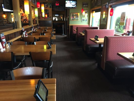 Painted Post, Nova York: Applebee's - dining area