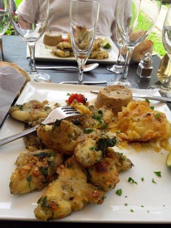 Restaurant l 39 auberge des tours dans orlienas for Auberge des 7 plats