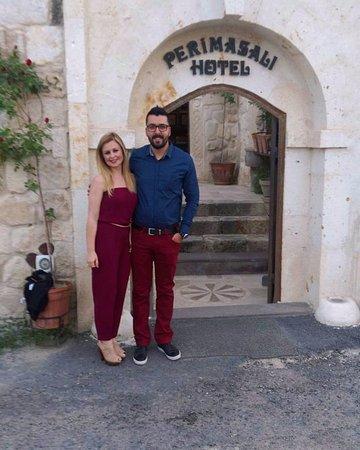 Perimasali Cave Hotel - Cappadocia: Otel Girişinde Türk Gecesine giderken...