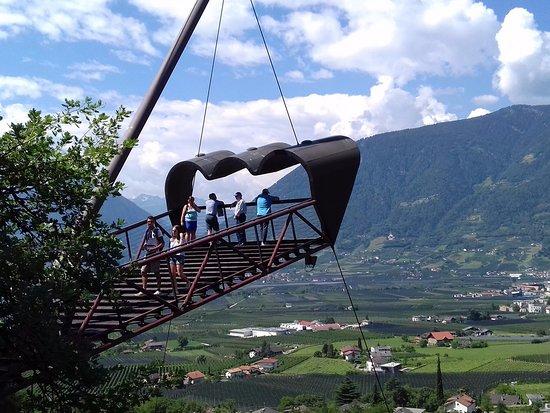 """Faedo, Italia: """"il binocolo di Matteo"""" dai giardini della Sissi"""