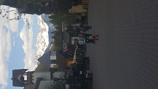 Vail Mountain Resort : Vail in May