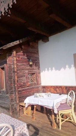 Collalbo, Italia: Balkon - Frühstück
