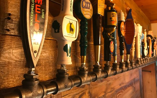 Green Lake, WI: Beer Tappers