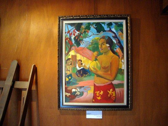 Tiki Village Cultural Centre: Artwork on Display