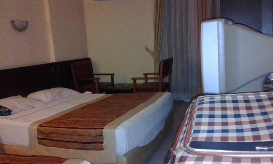 Klas Hotel Dom Photo