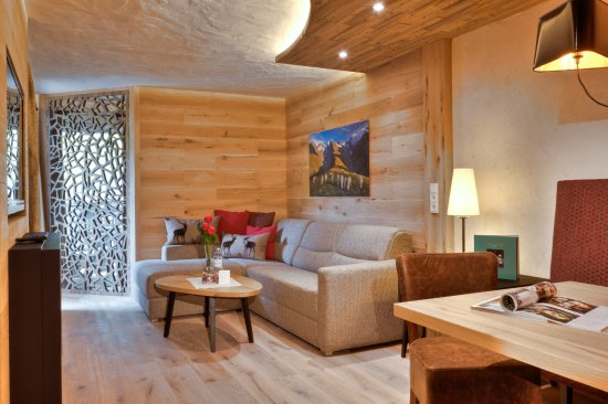 Suite Mit 2 Badern Www Sonnenhof Tirol Com Picture Of Hotel