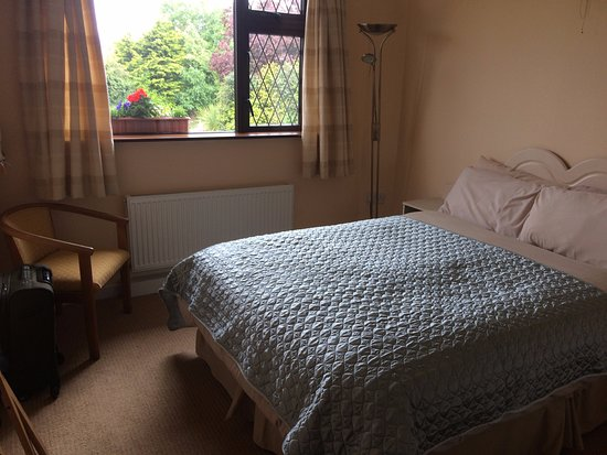 Dromhall Heights: comfy bed