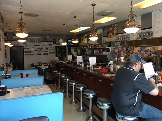 Grandma's Diner: Interior