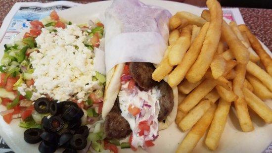 Boulevard Diner: Gyro Platter