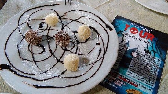 Montelupone, Italien: praline al cioccolato