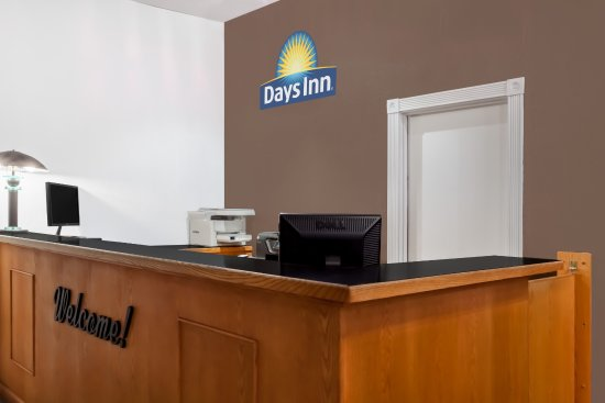 Days Inn Burns: Lobby