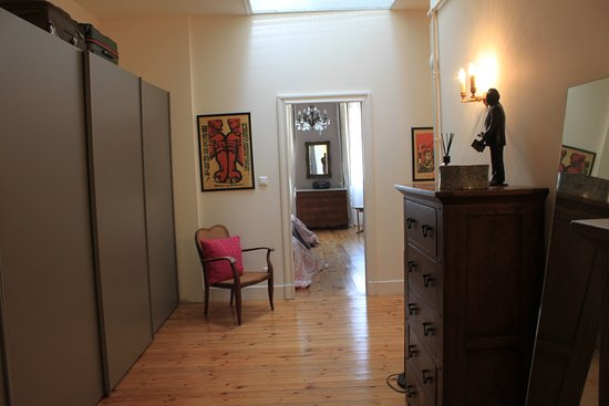 Bram, Francia: Suite sleeps 5 - Dressing area