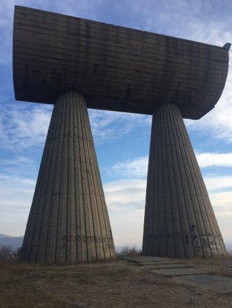 Mitrovica, Kosovo: Miner's Monument