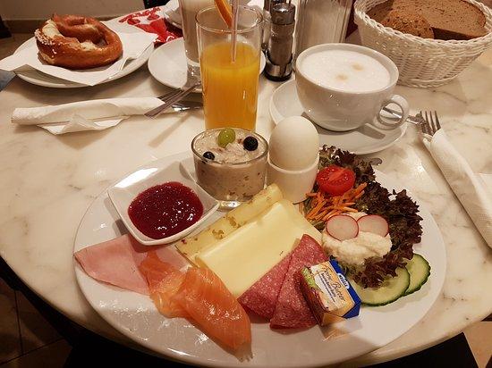 Pfaffenhofen an der Ilm, Almanya: Cafe Hipp