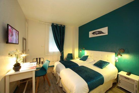 Hôtel de Bordeaux : chambre confort à lits jumeaux