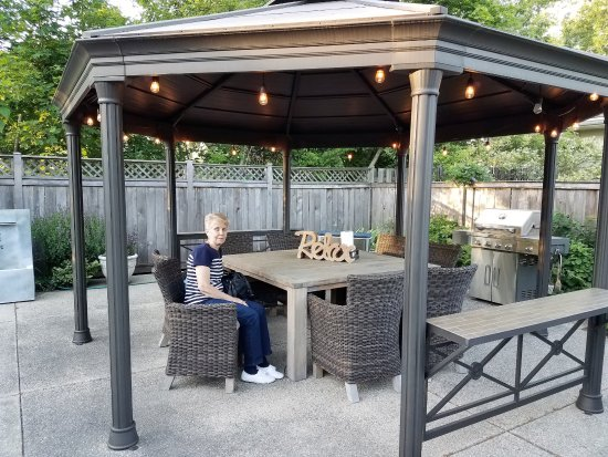 SevenOaks: Notice the propane grill for outdoor cooking!