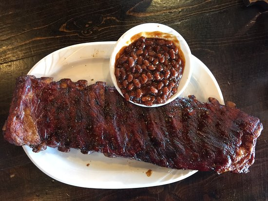 City Barbeque : Full rack of ribs and BBQ beans