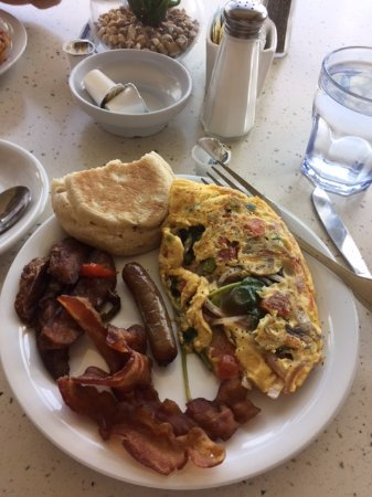 North Bay Village, ฟลอริด้า: Awesome omelet at Buena Vista Cafe