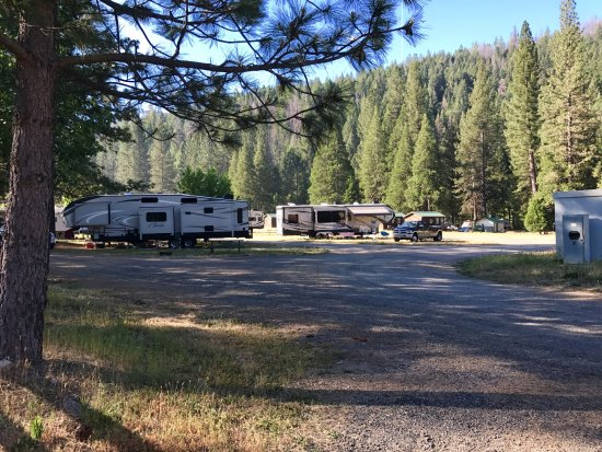 Yosemite Lakes RV Resort Photo