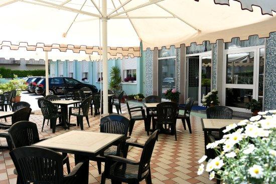 Hotel Savoia: Terrazza esterna